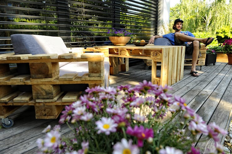 Projekty,  Balkon, weranda i taras zaprojektowane przez palettenmoebel.at