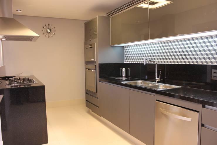 modern Kitchen by ALME ARQUITETURA