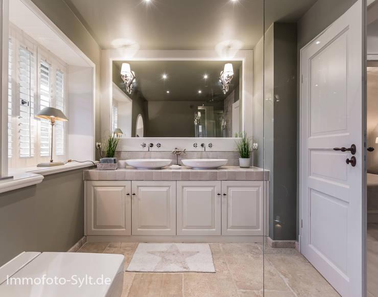 ห้องน้ำ by Immofoto-Sylt