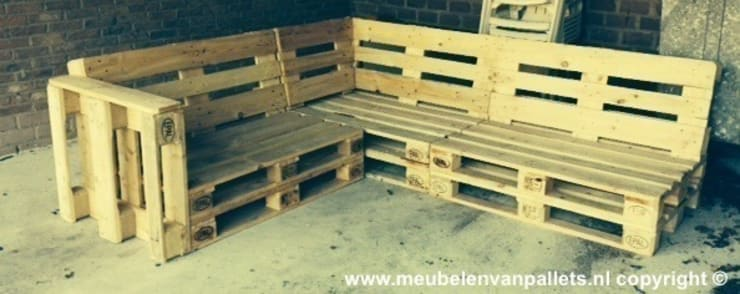 Loungebank pallets 240x200cm:  Tuin door Meubelen van pallets