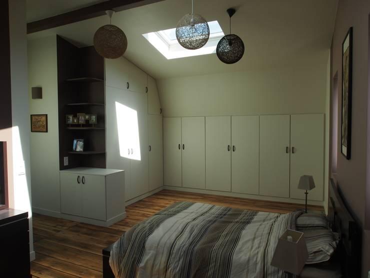 Maison de Famille rénovée: Chambre de style  par agence MGA architecte DPLG