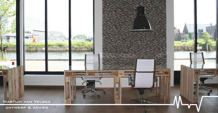 Projekty,   zaprojektowane przez Meubelen van pallets