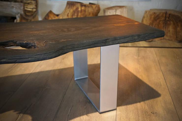 1600 years old: styl , w kategorii Salon zaprojektowany przez Old Wood Design,