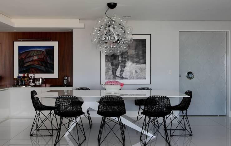 Comedores de estilo  por Rodrigo Maia Arquitetura + Design