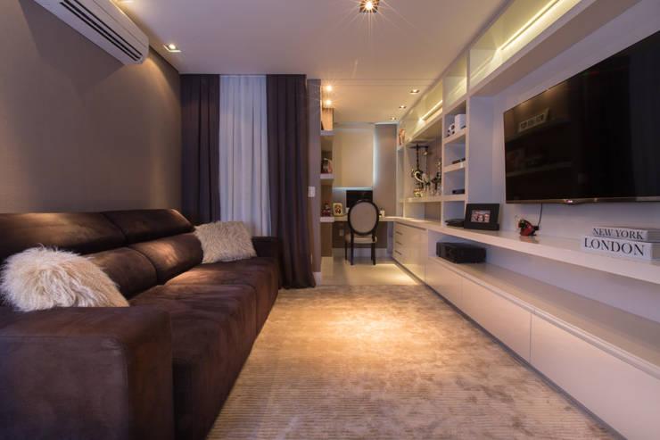 Apartamento M|R: Escritórios  por Lodo Barana Arquitetura e Interiores