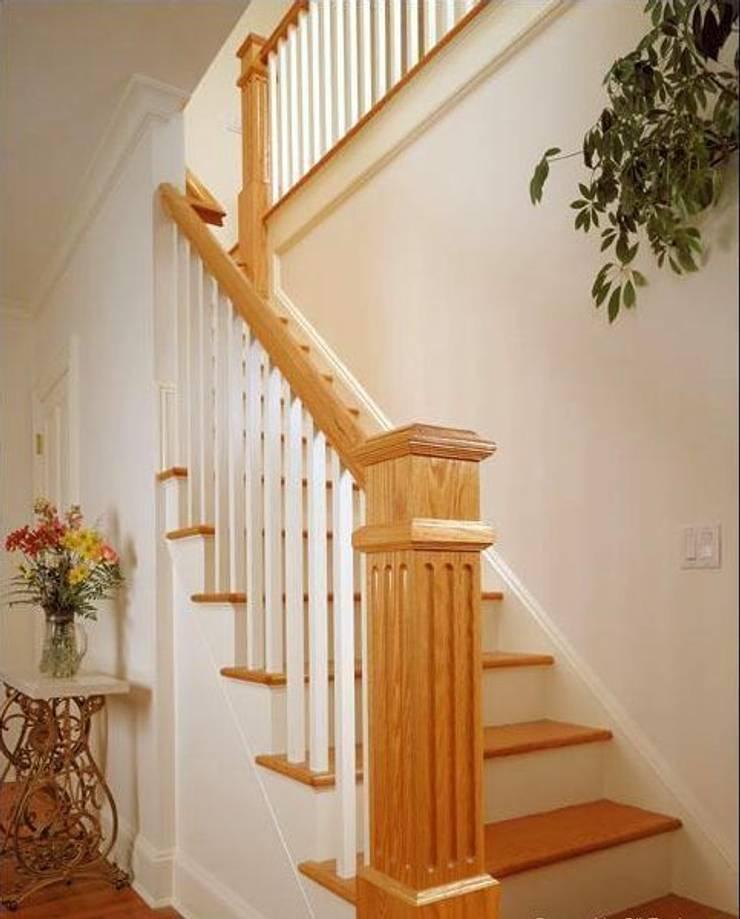 Masif Panel Çözümleri - Serender Ahşap Dekorasyon – Ahşap Merdiven Uygulaması:  tarz Koridor, Hol & Merdivenler