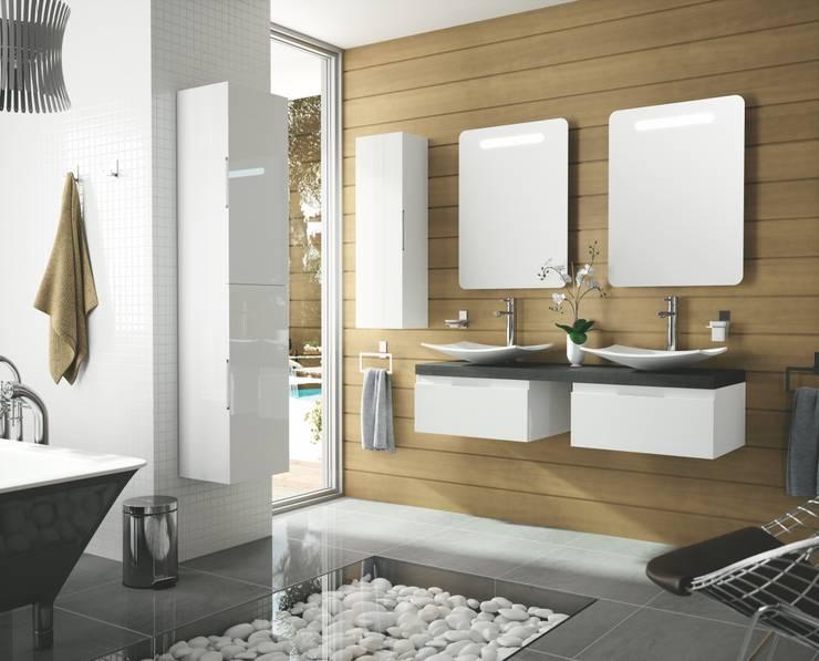 Mobiliario Fondo Baño: Baños de estilo moderno de Salgar