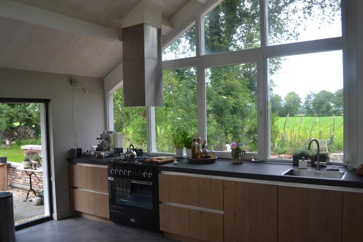 Кухни в . Автор – Dorenbos Architekten bv