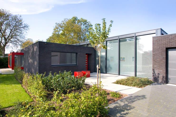 Woning te Tytsjerk:  Huizen door Dorenbos Architekten bv