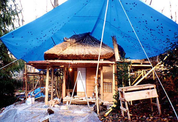 茶室建立作業3: 一級建築士事務所 有限会社設計処草庵が手掛けたです。