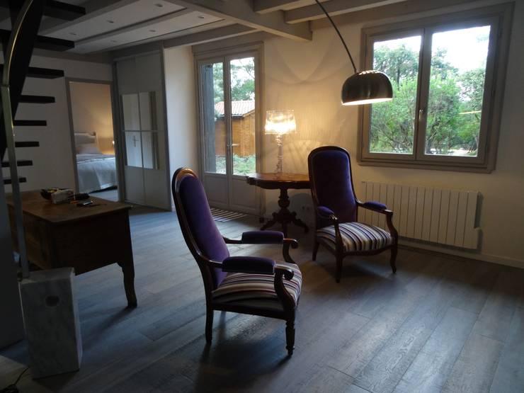 Salon aprés travaux:  de style  par Clemence de Mierry Grangé