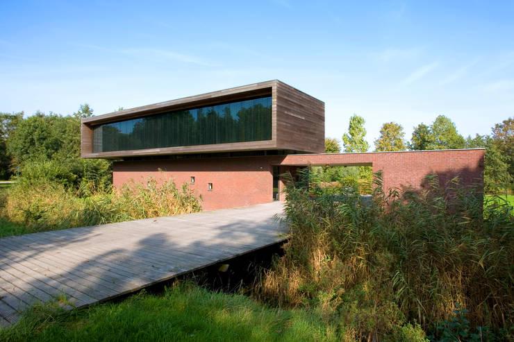 Casas modernas por Dorenbos Architekten bv