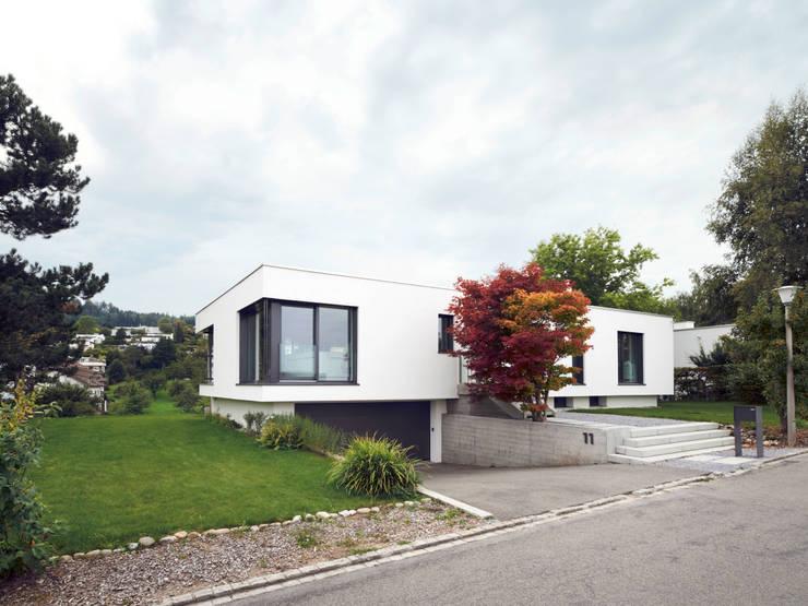 Haus L: moderne Häuser von nimmrichter architekten ETH SIA AG