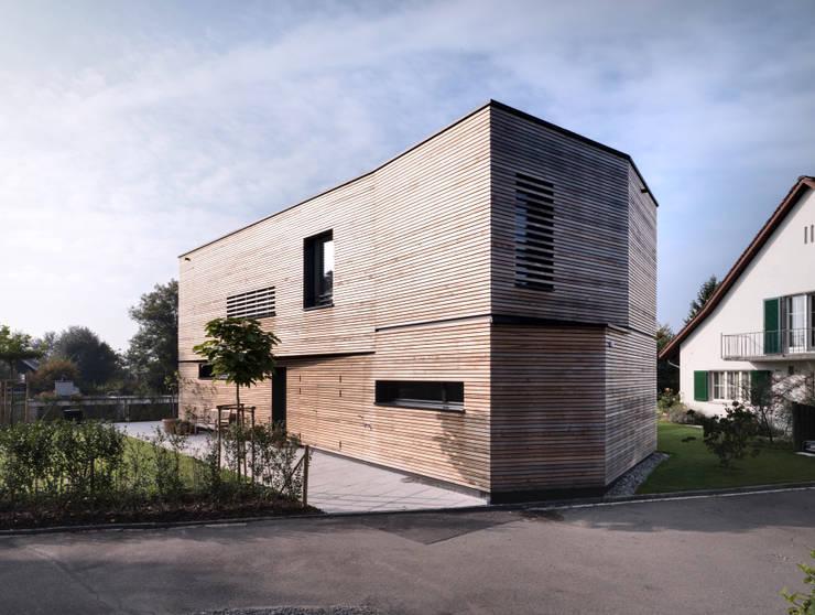 Haus S: moderne Häuser von nimmrichter architekten ETH SIA AG