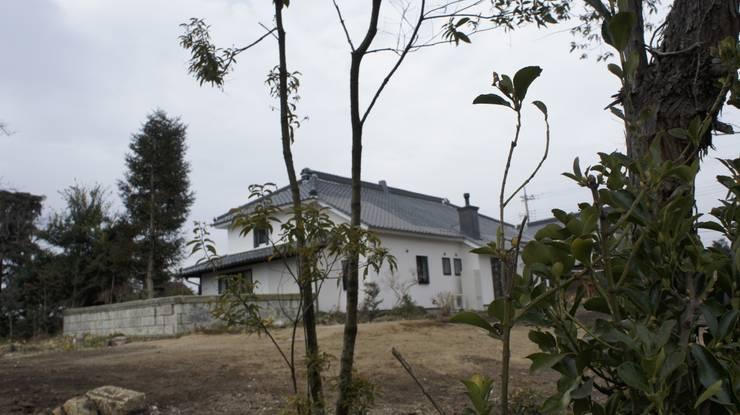 鹿沼の古民家: マルモコハウスが手掛けた家です。,クラシック