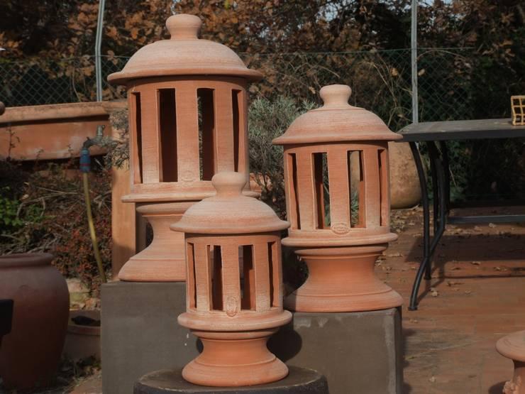 Terrecotte Pregiate D'Impruneta ed Impasti Speciali : Giardino in stile in stile Classico di Montecchio S.r.l.