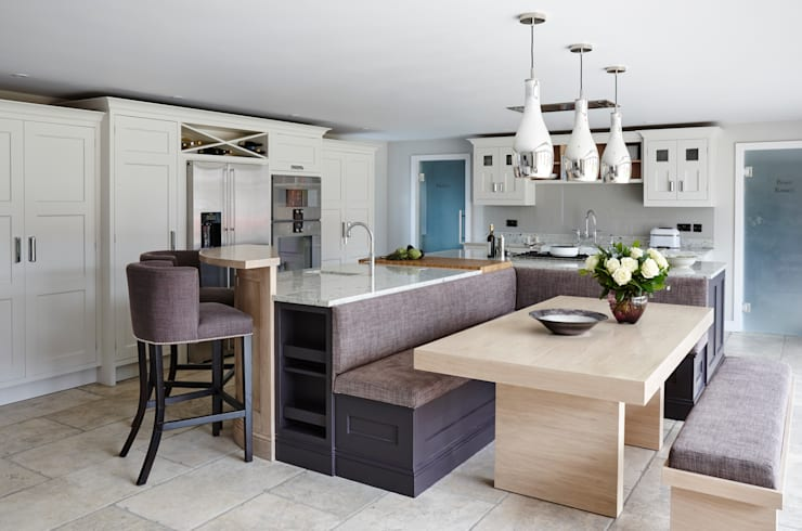 The Arcadian Kitchen:  Kitchen by Mowlem&Co
