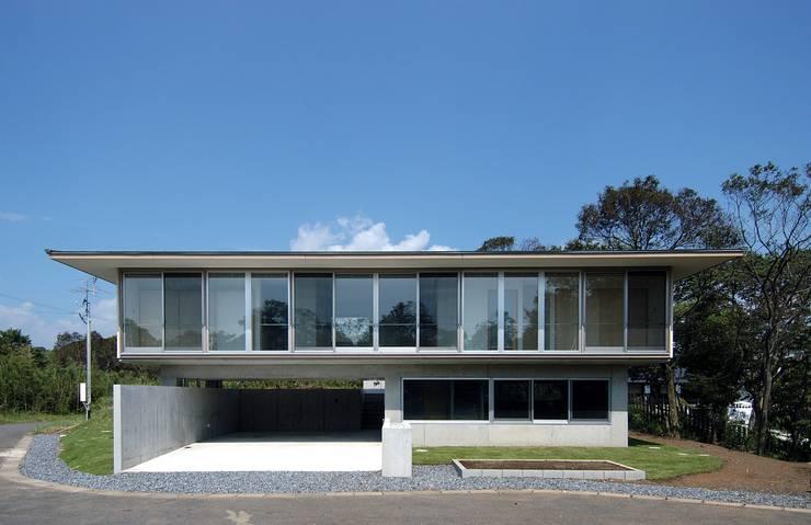 I邸: 長谷雄聖建築設計事務所が手掛けた家です。