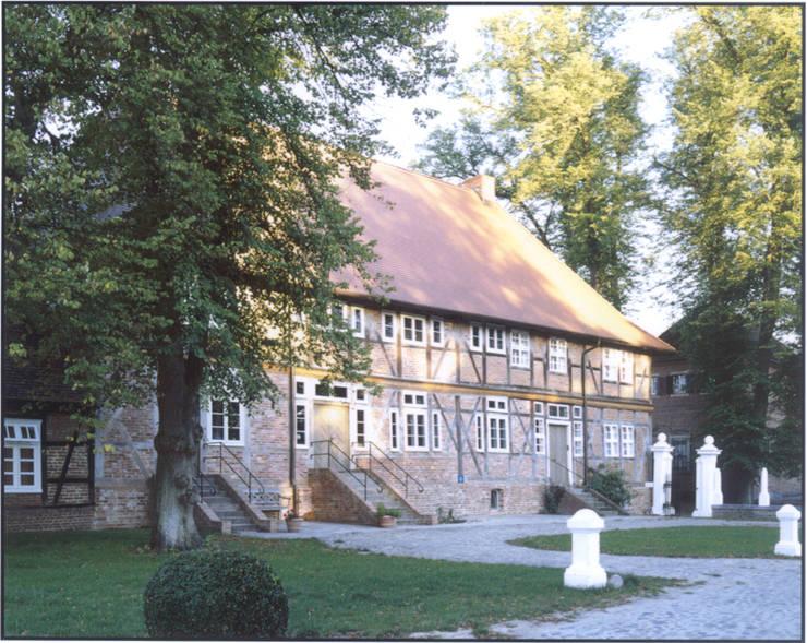 4 Wohneinheiten im ehemaligen Brauhaus:  Häuser von v. Bismarck Architekt