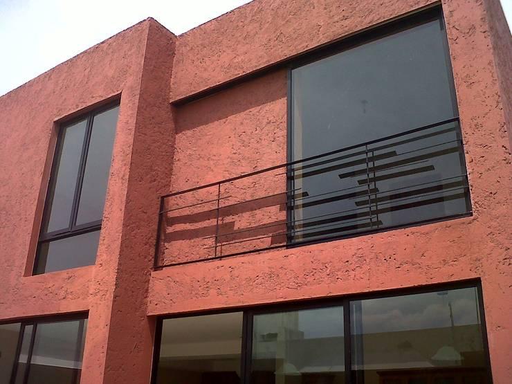 Privada 40 : Terrazas de estilo  por Constructora e Inmobiliaria Catarsis