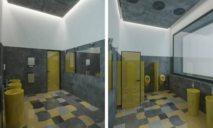 Мужской WC: Ресторации в . Автор – Architectural Bureau DAOFORM