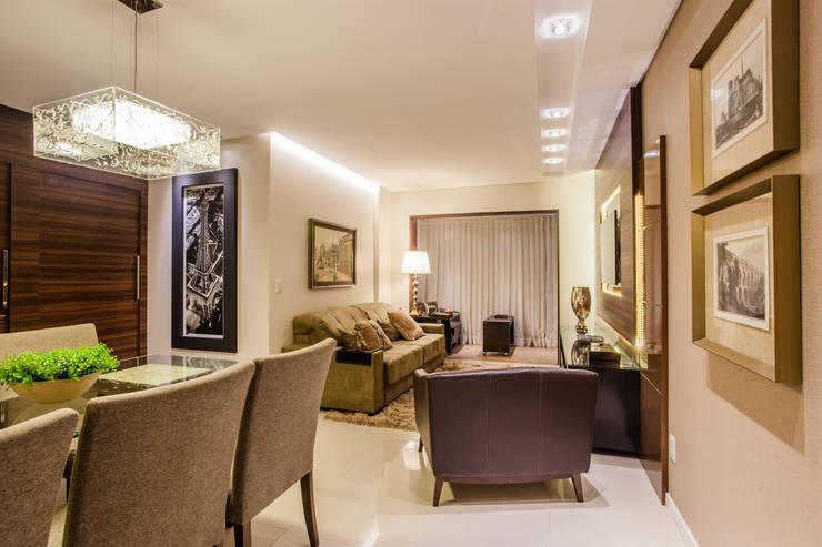 Sala de estar e jantar: Sala de estar  por msaviarquitetura,