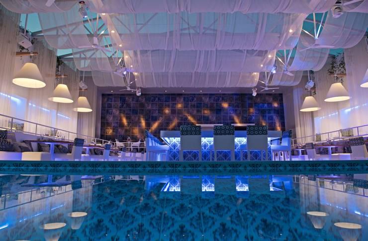 Yo2 Designs: styl , w kategorii Hotele zaprojektowany przez Wzorywidze.pl