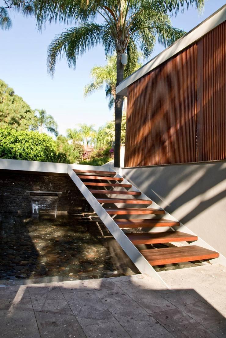 CASA RP: Casas de estilo  por Alvaro Moragrega / arquitecto