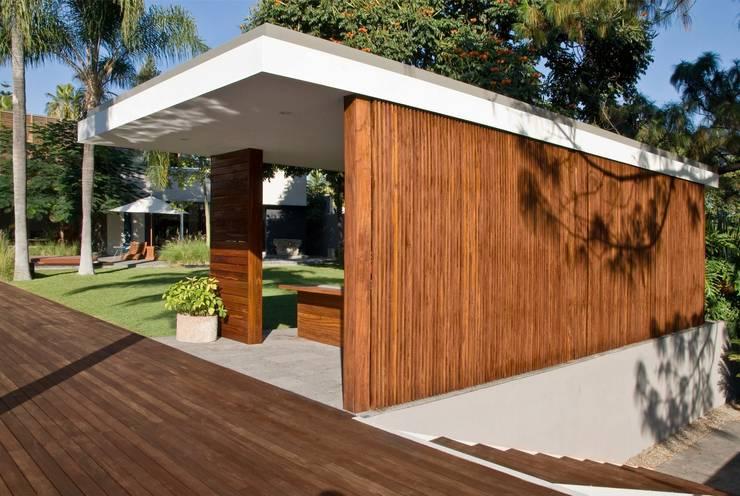 CASA RP: Jardines de estilo  por Alvaro Moragrega / arquitecto