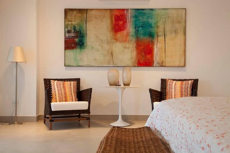 Casa - Praia de Tabatinga: Quartos  por Hurban Liv Arquitetura & Interiores