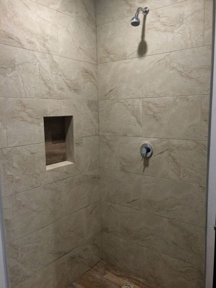 Ванная комната в . Автор – JF ARQUITECTOS,