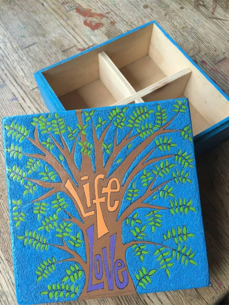 Caja de té arbol de la vida: Hogar de estilo  por Libel