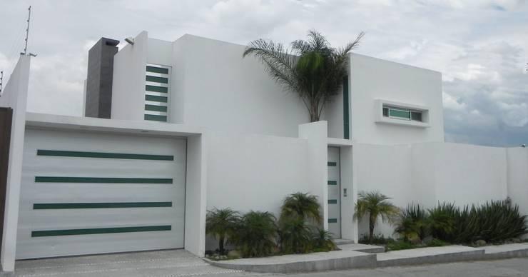 Casas minimalistas por ARKIZA ARQUITECTOS by Arq. Jacqueline Zago Hurtado