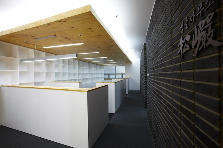Phòng học/Văn phòng theo 스마트건축사사무소,