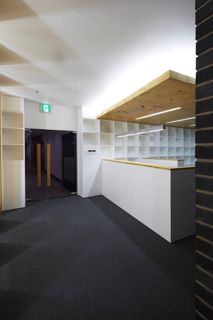 Study/office by 스마트건축사사무소
