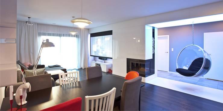 Wnętrza domu jednorodzinnego, Jaworzno: styl , w kategorii Salon zaprojektowany przez modero architekci