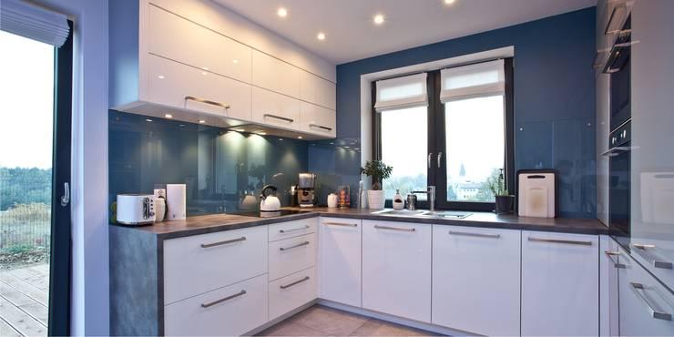 Wnętrza domu jednorodzinnego, Jaworzno: styl , w kategorii Kuchnia zaprojektowany przez modero architekci