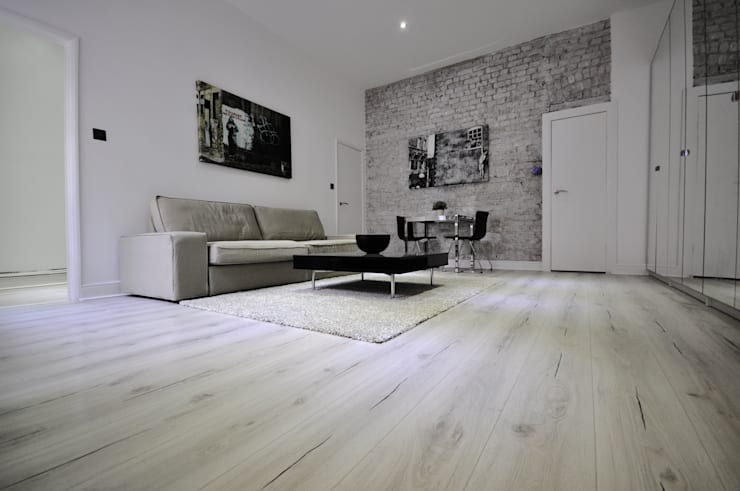 Apartments in Nothing Hill, London: modern Living room by Pergo