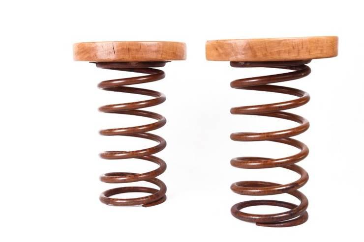 Stołek Sprężyna: styl , w kategorii Salon zaprojektowany przez Rekoforma,