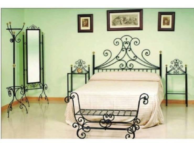 Dormitorio: Dormitorios de estilo rural de Arteforja jmc