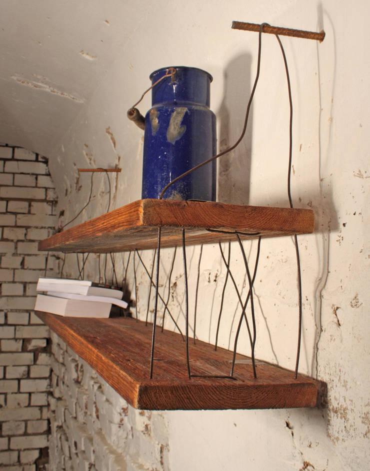 Półka ze starego drewna Zygzak : styl , w kategorii  zaprojektowany przez Rekoforma,Industrialny