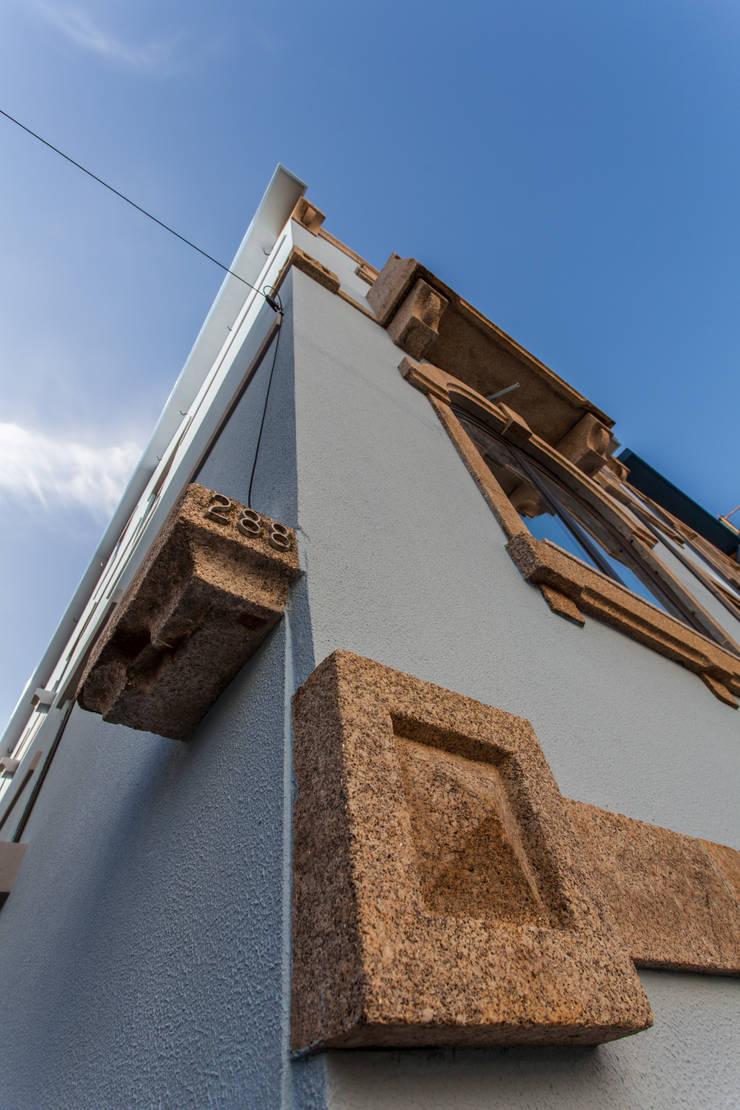 AReA 7 – Arquitectos Ivo Amaro_ Jorge Machado: Casas  por AreA7