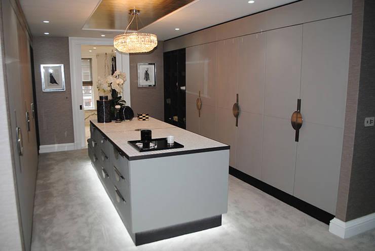 Projekty,  Garderoba zaprojektowane przez ShellShock Designs