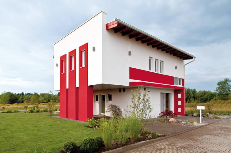 Casas modernas por ELK Fertighaus GmbH