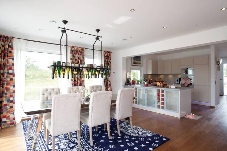 Cozinhas modernas por ELK Fertighaus GmbH