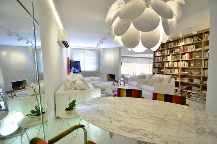 ห้องทานข้าว โดย karen feldman arquitetos associados, มินิมัล