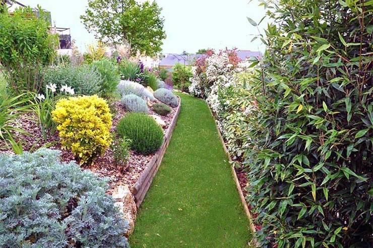 Jardin en Essonne: Jardin de rocaille  de style  par  Sophie Durin   Empreinte Paysagère
