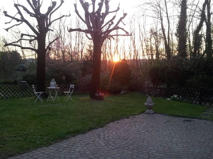 Garten von MARA GAGLIARDI 'INTERIOR DESIGNER'