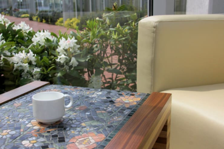 Meble z mozaiką marmurową : styl , w kategorii Salon zaprojektowany przez GRANMAR Borowa Góra - granit, marmur, konglomerat kwarcowy