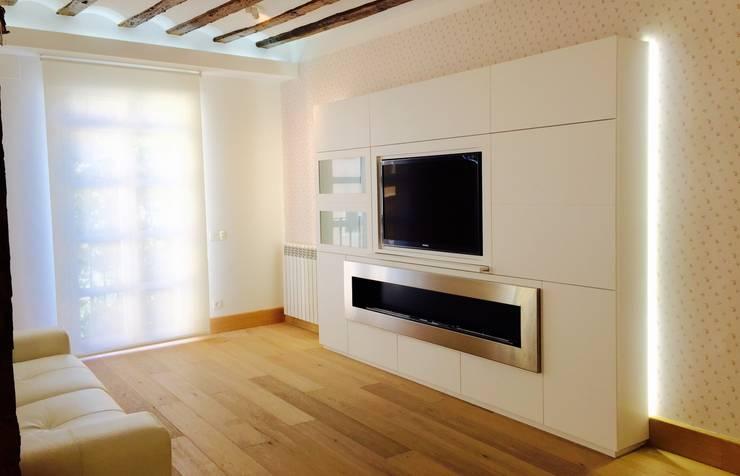 Decoración de interiores con chimenea de bioetanol XXL en Logroño ...